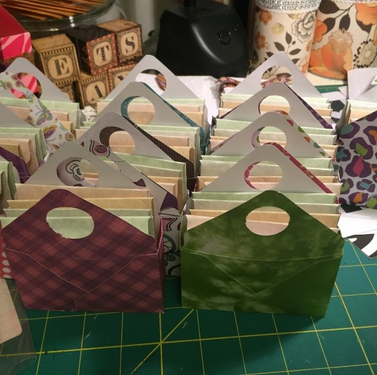 Mini gift boxes with 3x3 note cards with envelopes